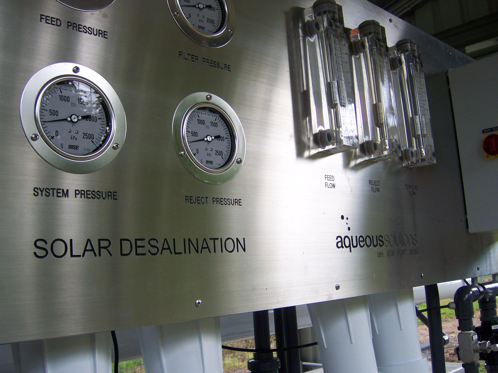 Solar Rerverse Osmosis RO unit Solar power Desalination plant